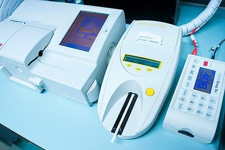 Tierarztpraxis Besserer: Labor-Geräte