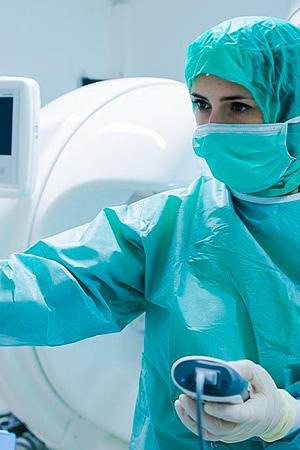 Tierarztpraxis Besserer: Einsatz des Computertomographen